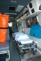 080509112822_ACT_Intensive_Care__Ambulance-Rear_interior-www.ambulancevisibility.com-John_Killeen
